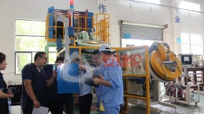 苏州有滚筒自动喷胶机生产厂家吗?