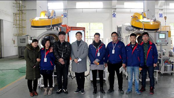 韩国客户成功验收安捷伦自动滚喷机设备